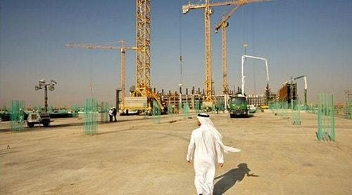 Kilang Minyak di Arab Saudi